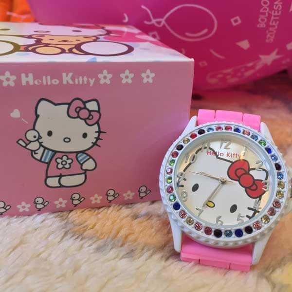 Hello Kitty rózsaszín köves kislány karóra
