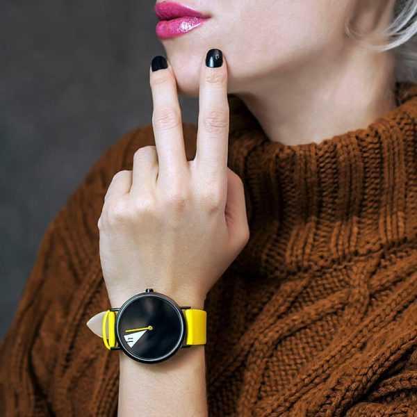 Shengke sárga szíjas kreatív számlapú női karóra
