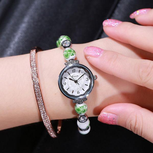 Kimio zöld virágmintás gyönggyel díszített női karóra